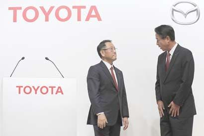 Toyota y Mazda crean empresa conjunta de vehículos eléctricos