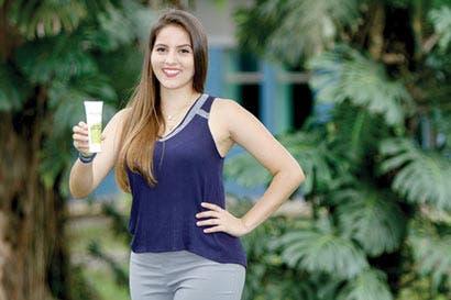 Estudiante crea microempresa para producir gel medicinal