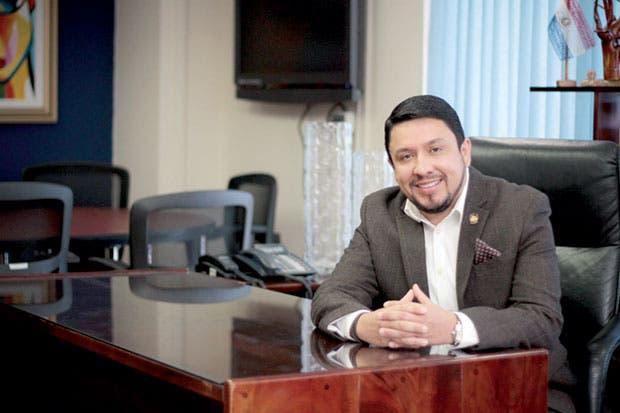 """Presidente del IMAS: """"La atención a la pobreza debe basarse en los derechos humanos"""""""