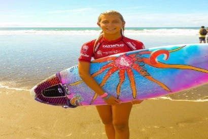 Tica se corona como la nueva   subcampeona en Mundial  de Surf