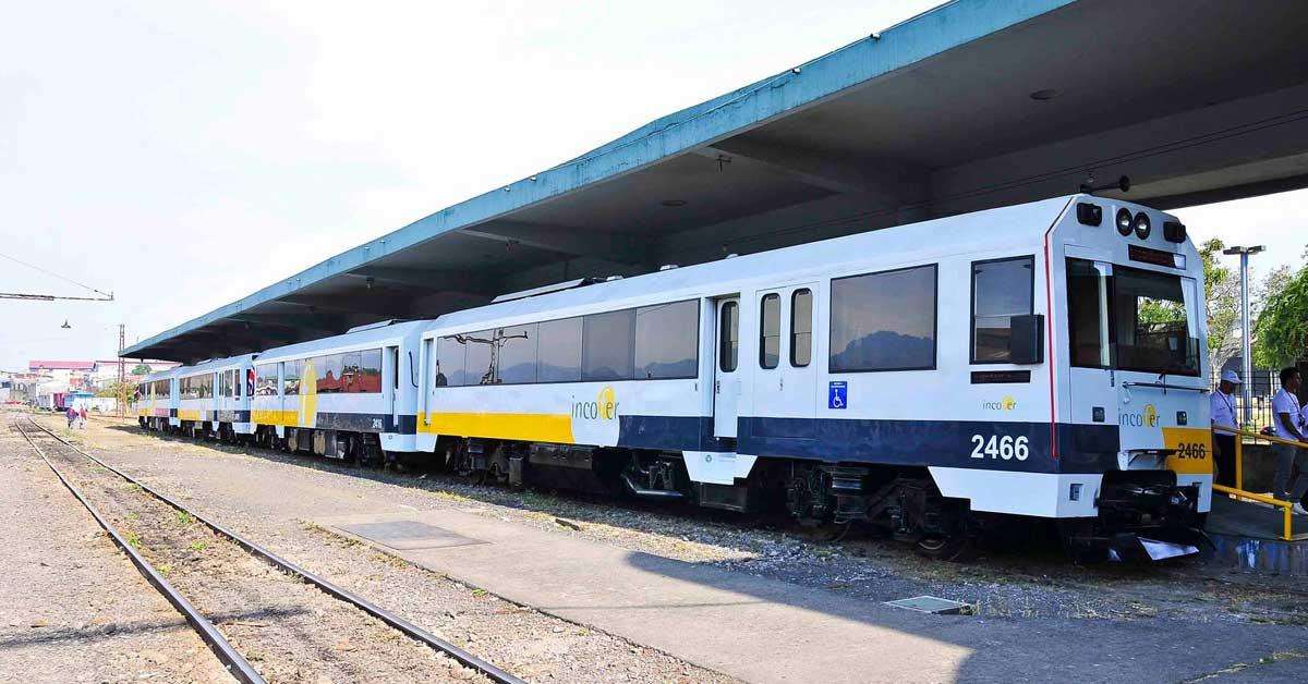Presidente anuncia licitación para tren eléctrico en diciembre
