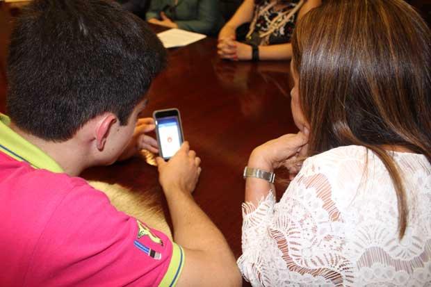 Estudiantes crearon y donaron app al MEP para aprender inglés
