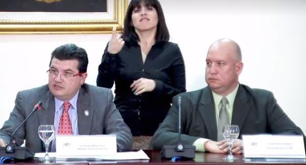 Consejo de Gobierno suspendió a cinco directivos que no renunciaron