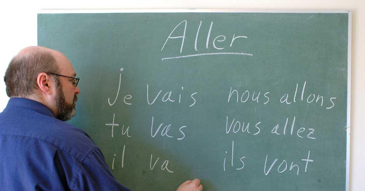 Universidad Nacional acredita carrera de Enseñanza del Francés