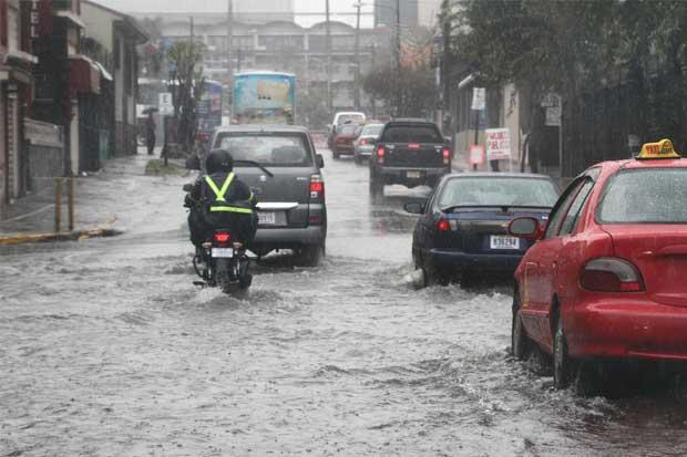 CNE declara alerta roja por lluvias