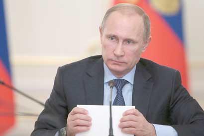 Putin dice que pacto con OPEP podría extenderse hasta fines de 2018