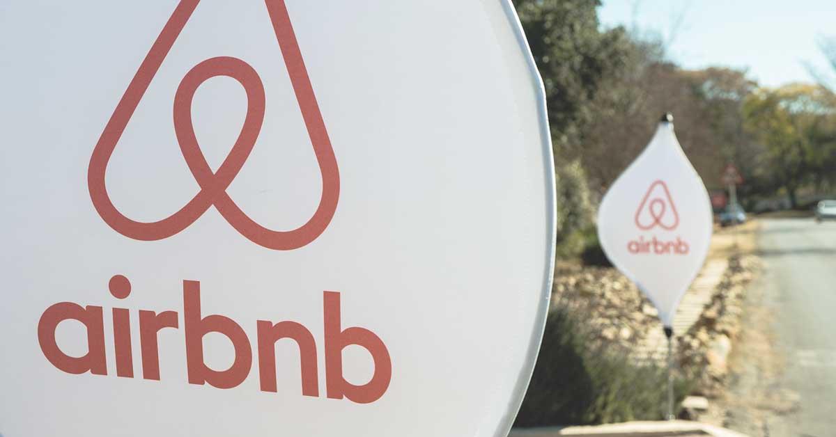 Airbnb se une a WeWork para captar viajeros de negocios