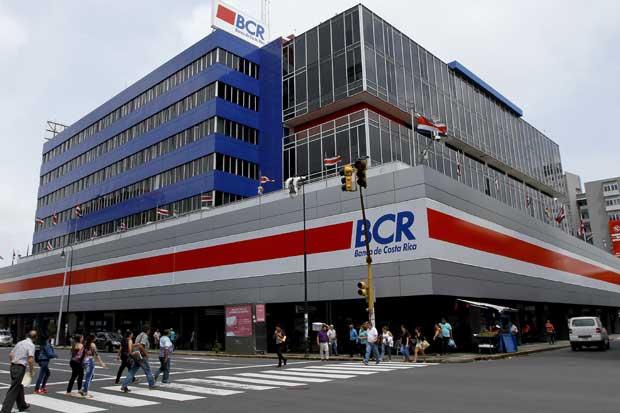 Gobierno nombra a nuevos directivos del BCR