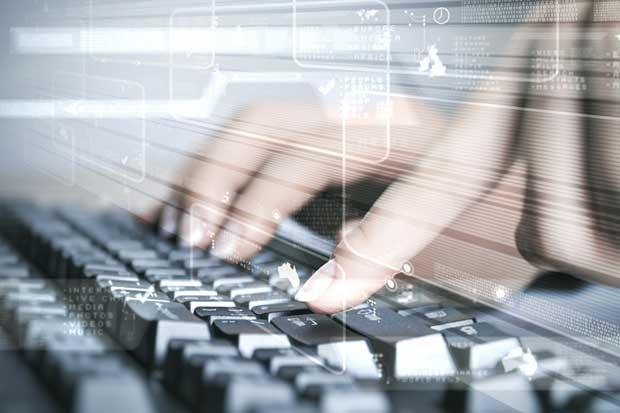 IBM requiere personal para tecnología, finanzas y servicio al cliente