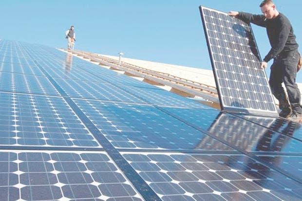 Futuro de la energía limpia en juego por reforma tributaria