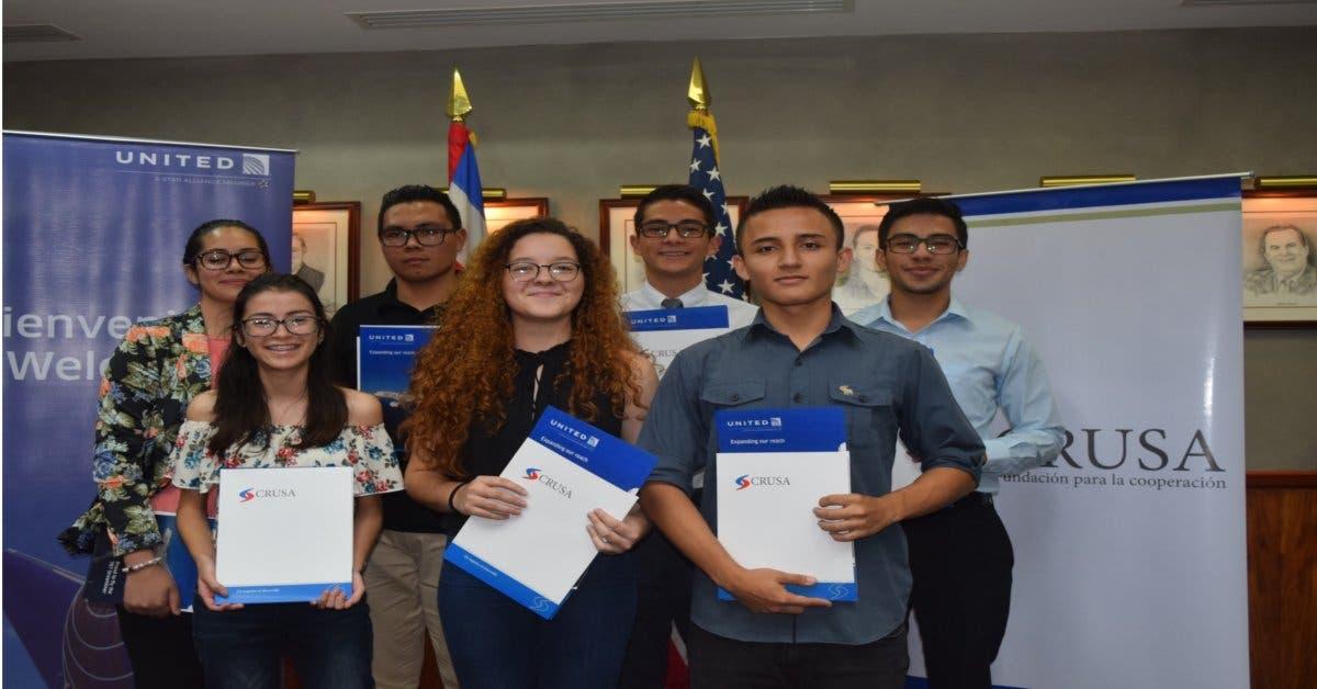Siete estudiantes de CTP logran beca para estudiar en Estados Unidos
