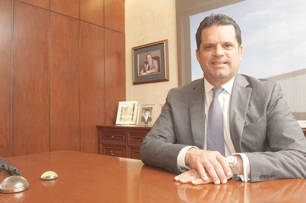 Empresarios insisten en abrir más cupos en el INA