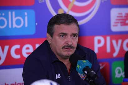 """Óscar Ramírez: """"Quiero tomar en cuenta a jugadores del fútbol nacional para ir a Rusia"""""""