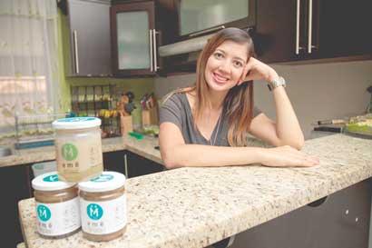 Emprendedora encontró negocio en dulce de coco