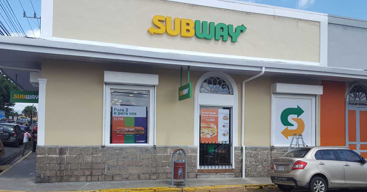 Subway inaugura su local número 13 fuera de la GAM
