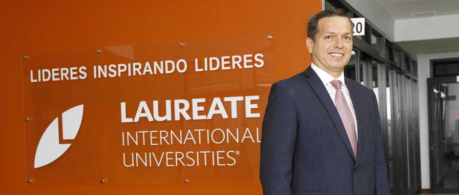"""Universidades amplían campus para """"enganchar"""" estudiantes"""