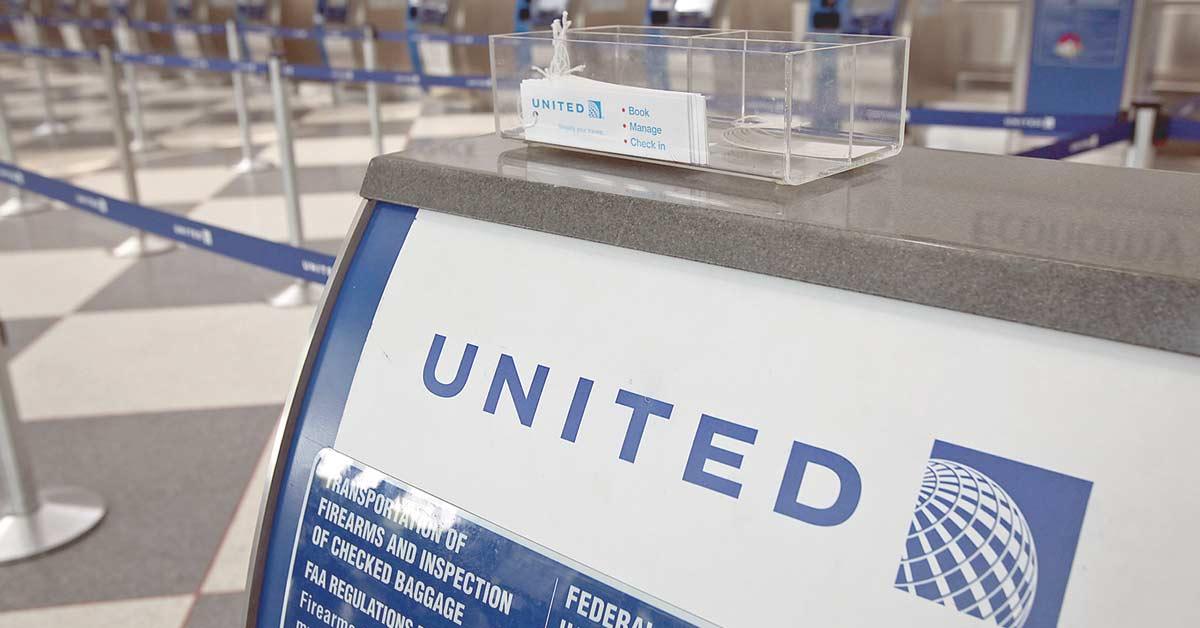 United Continental cae tras reducir perspectivas de ganancias