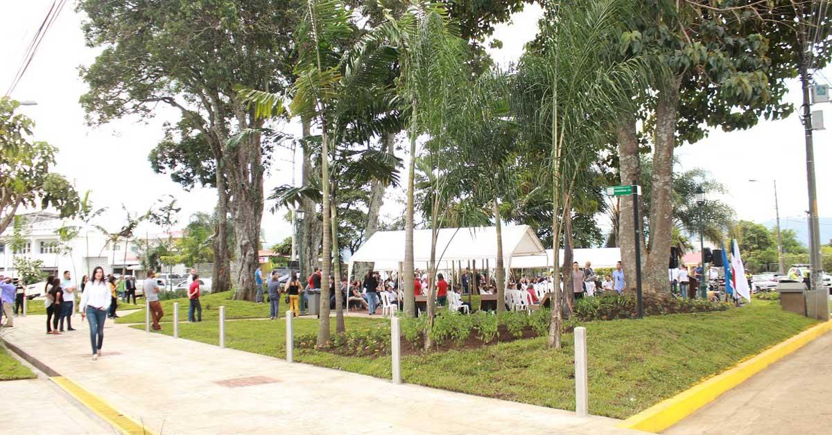Renovado Parque Los Mangos cuenta con internet gratuito y bulevar