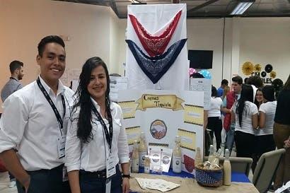 Colegiales presentaron emprendimientos para buscar oportunidades laborales