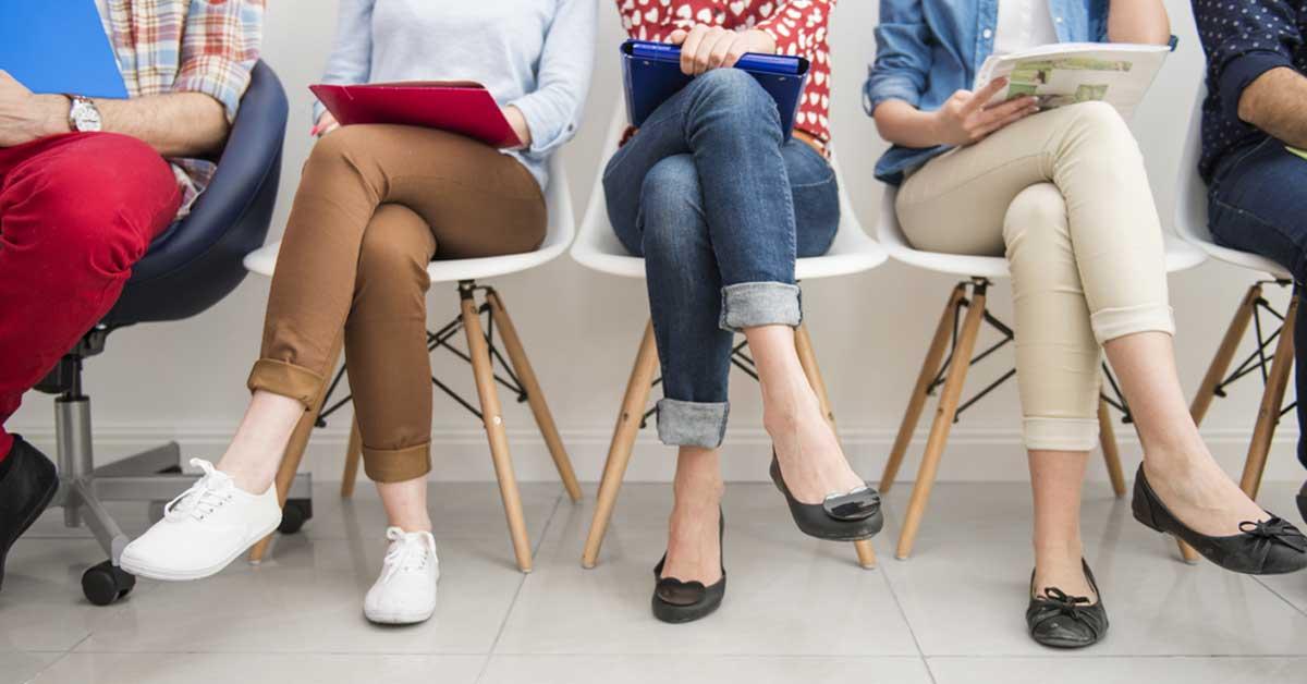 Tiendas y restaurantes requieren contratar 100 colaboradores