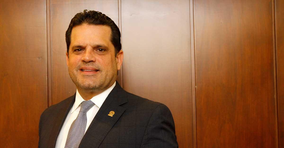 Uccaep celebra decreto que regula contrataciones públicas