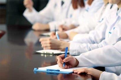 Casi 800 estudiantes de medicina buscarán espacio para realizar internado