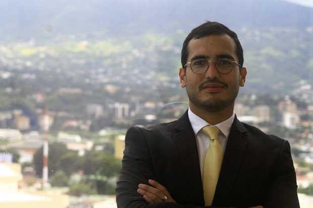 Director de fundación tica incluido en ranking mundial de líderes LGBT