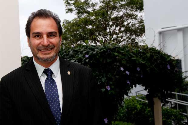 Diputado pide al Ejecutivo acelerar Ley de Armas y Explosivos