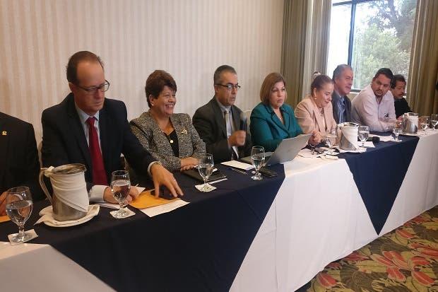 Sectores proponen medidas en favor del IVM