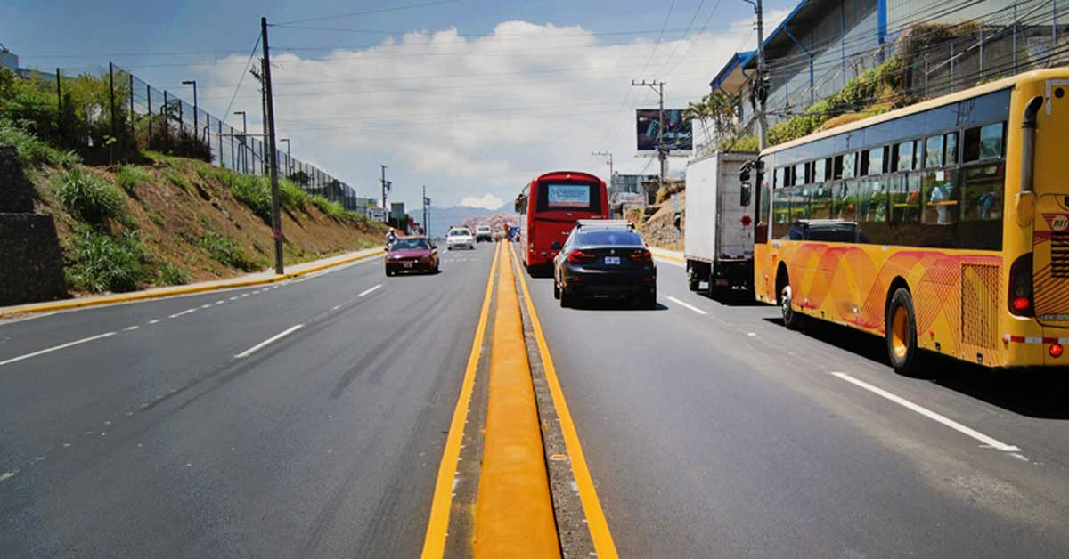 Construcción de puente peatonal obligará cierre temporal de un carril por Pozuelo