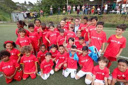 Equipo de primera división española desarrollará proyectos en el país