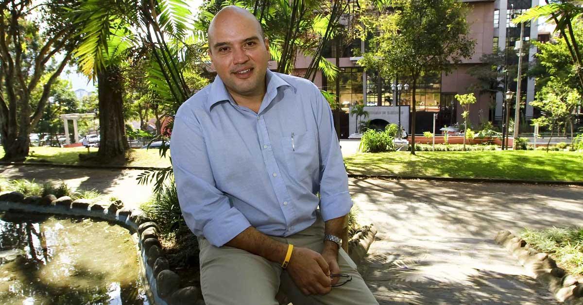 Frenteamplistas insisten en frenar liberación de tarifas móviles