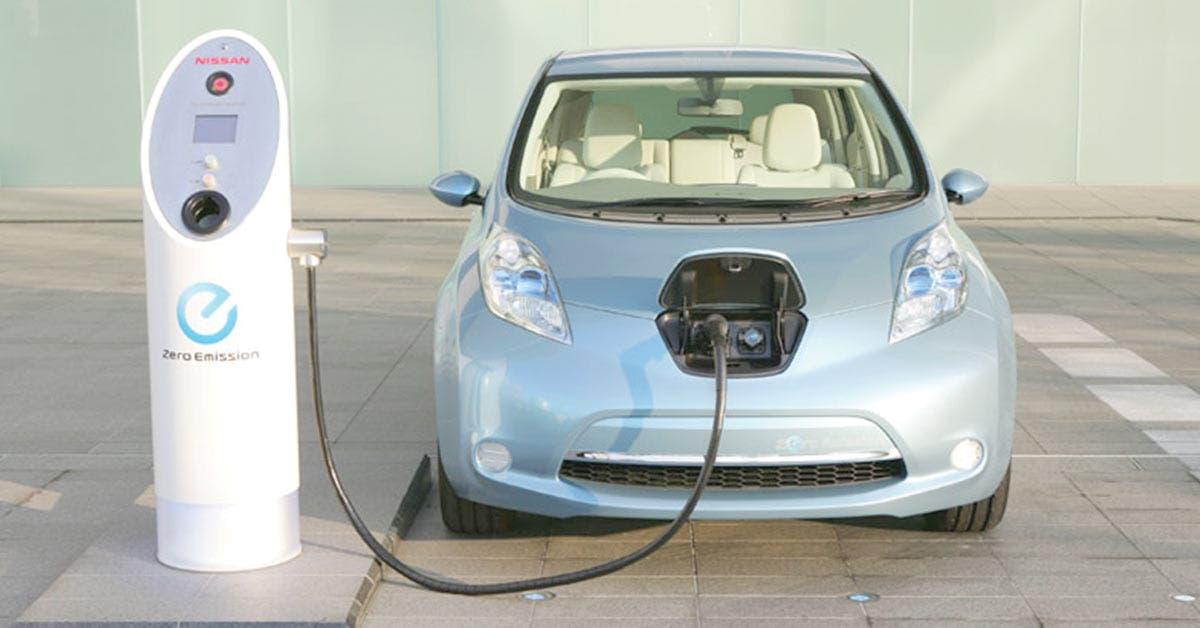 UE impulsa coches eléctricos para acortar distancia con China