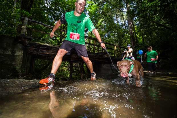 450 perros y amos correrán este domingo en el Perrocross