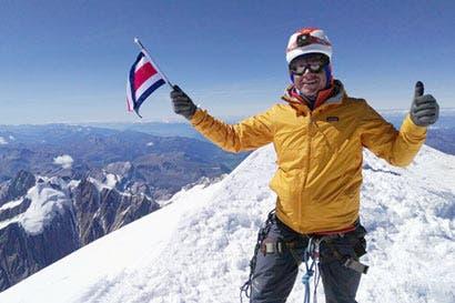 Costarricense buscará subir la quinta montaña más alta del mundo sin oxígeno