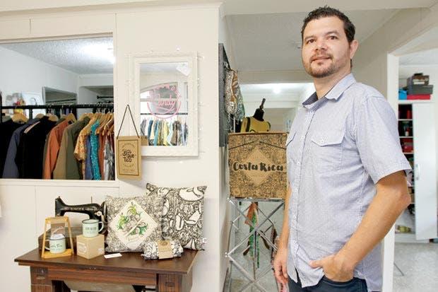 Emprendedor materializa encanto de Costa Rica en ilustraciones