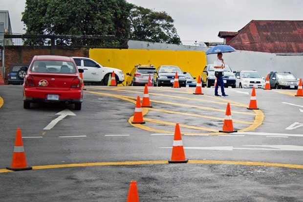 Mitad de los conductores reprueba examen práctico de manejo