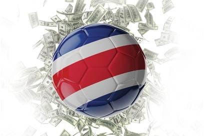 Futbolista en Costa Rica gana el doble del salario promedio en el continente