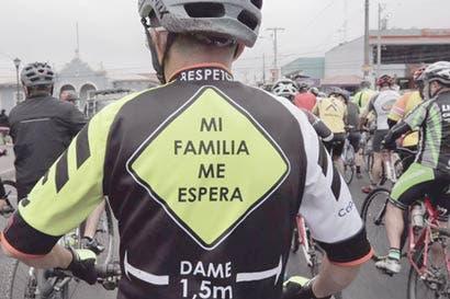 Evento de ruta homenajeará a 32 ciclistas fallecidos en carretera este año