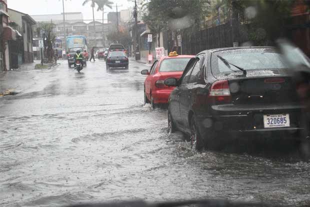 Gobierno declara alerta verde por lluvias