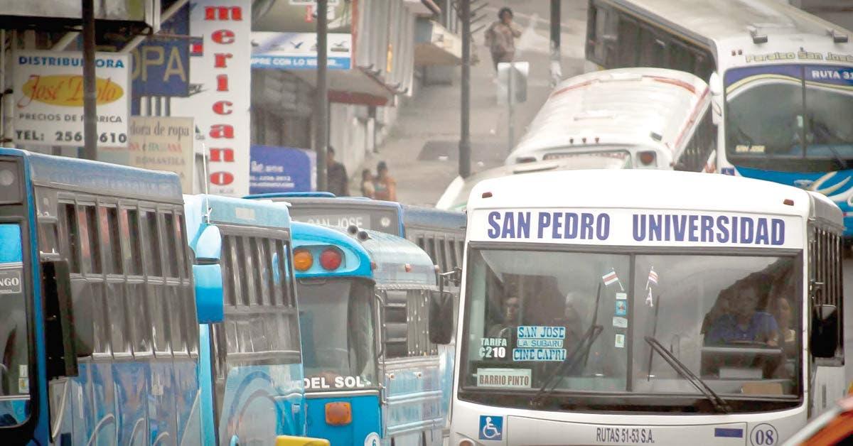 "Sistema de buses necesita ""overhaul"" urgente"
