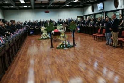 Diputados rinden tributo a Juan Marín
