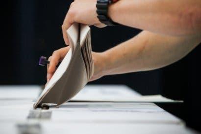 Antonio Álvarez y Juan Diego Castro siguen a la cabeza de carrera electoral