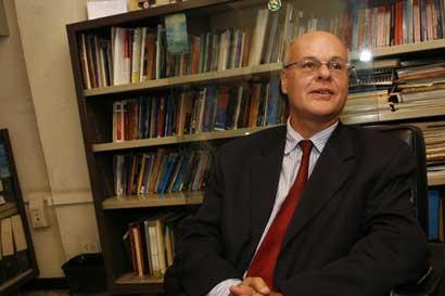 Fernando Castillo es reelecto magistrado de Sala Constitucional
