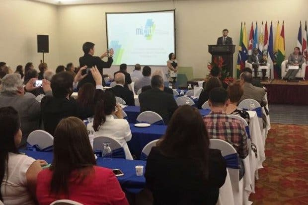 Costa Rica es sede de congreso de ciencia y tecnología por primera vez