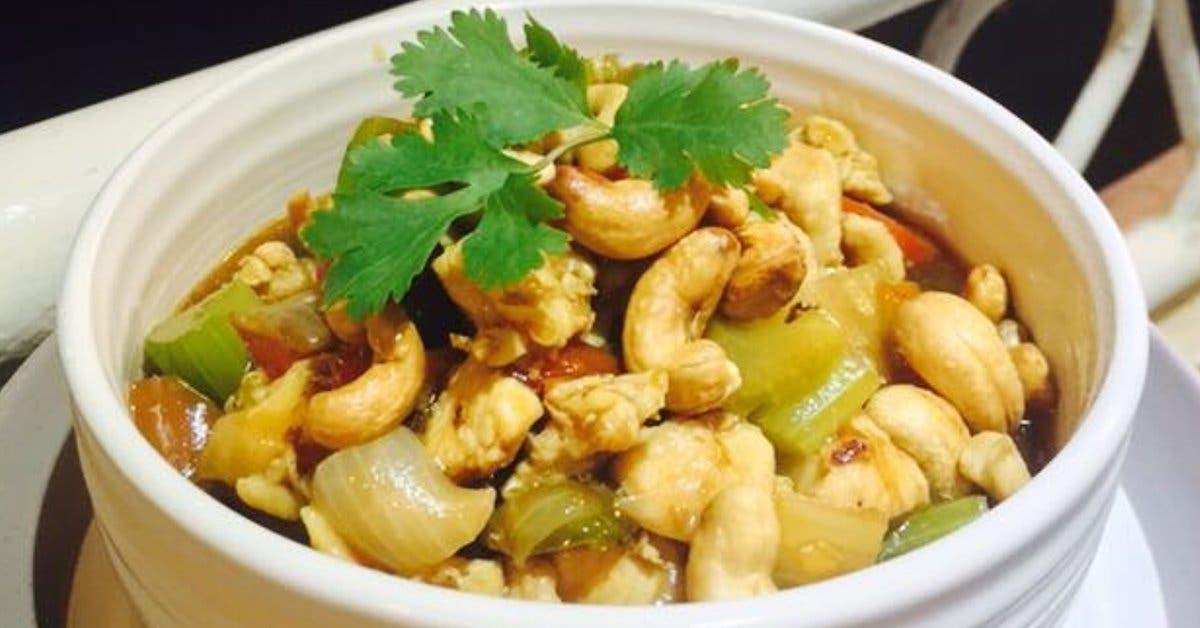 Restaurante Chung San: Pollo con semillas de marañón