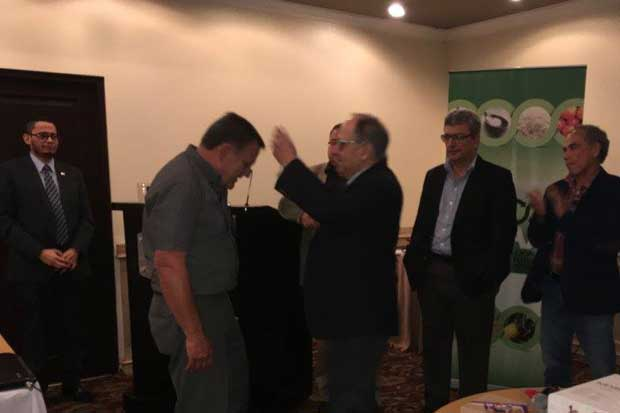 Turrialbeño recibió Premio al Mérito Agrícola