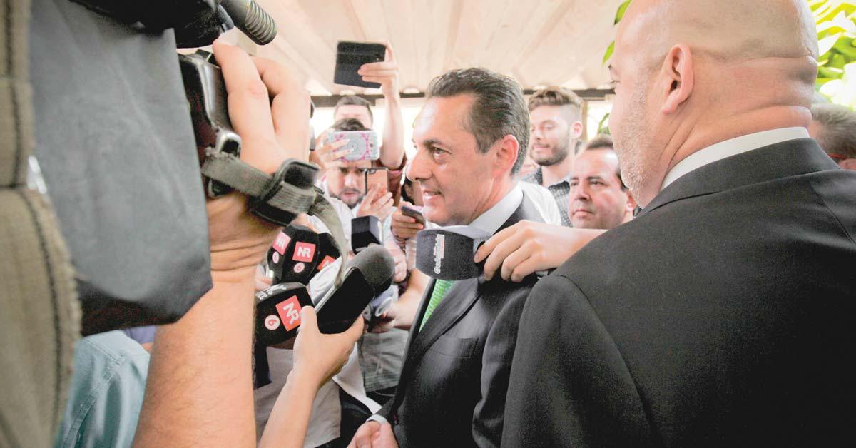 Antonio Álvarez ya no traerá médicos extranjeros