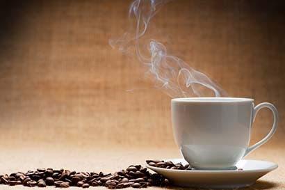 Bebedores de café viven más y padecen menos cáncer