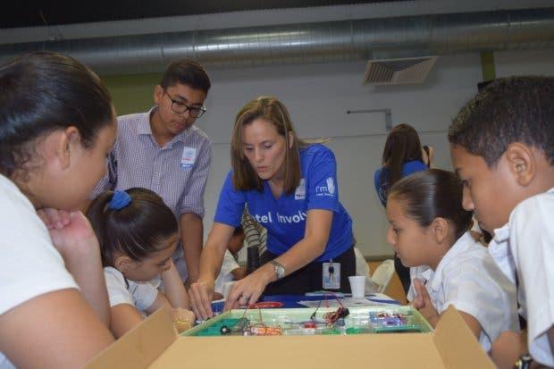 Intel involucró a más de 2000 niños en áreas de ingeniería a través de programación